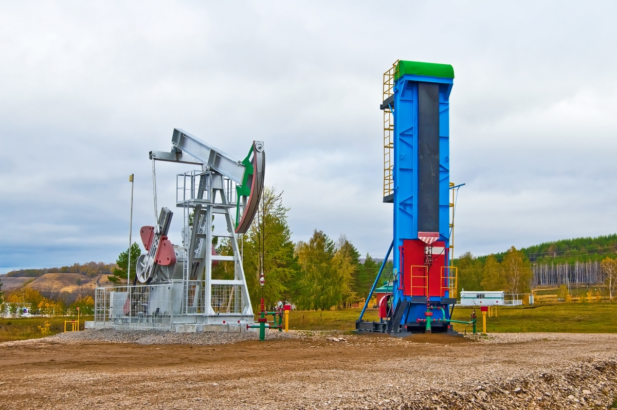 Stonehouse Signs Durable Gas and Oil Well Lease Signs